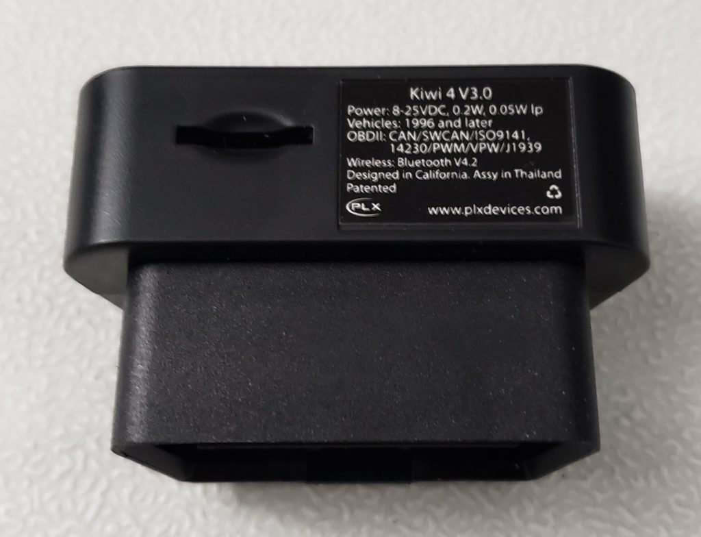 image of micro sd card slot of kiwi obd adapter