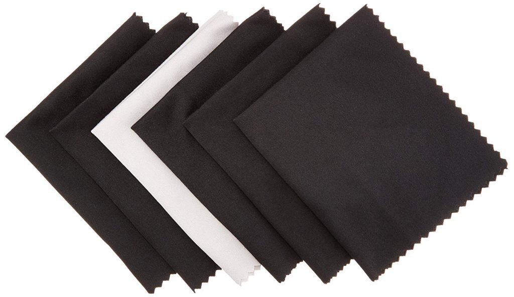image of amazonbasics microfiber cleaning cloth